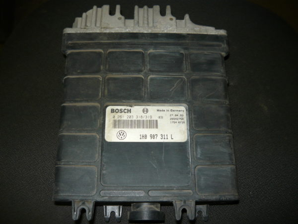 BOSCH 0261203318 - Блок управления